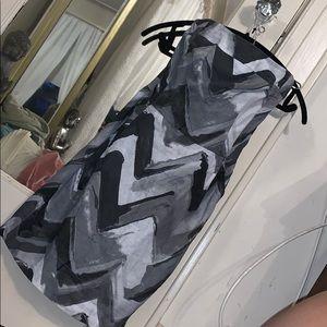 Black grey white dress strapless has pockets